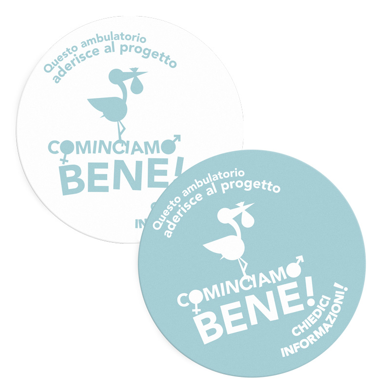 Lo sticker di Cominciamo Bene, con il logo della cicogna su sfondo bianco o azzurro a seconda dei gusti!