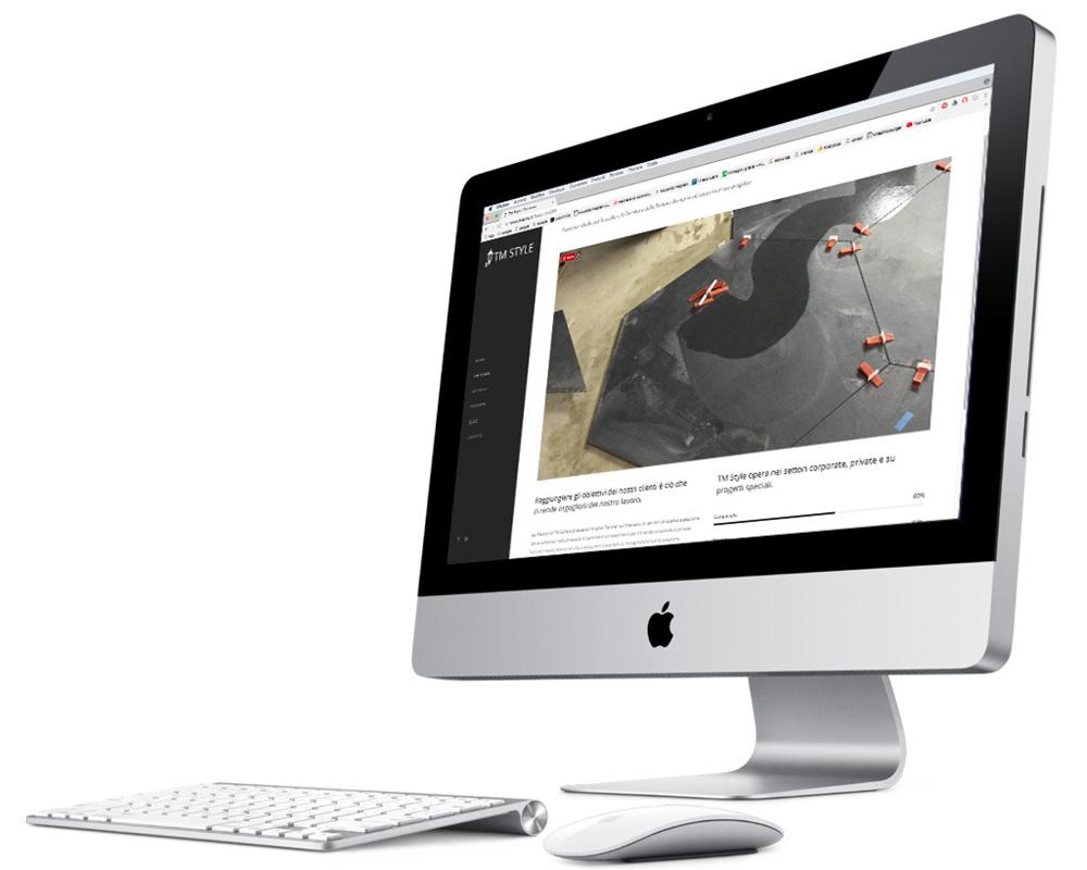 una preview del sito TM STYLE, sullo schermo di un computer