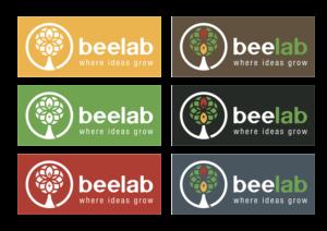 Utilizzo del marchio a seconda del supporto colorato su cui si applica. Completamente in negativo(bianco) su superfici gialle, verdi o rosse. Su superfici scure invece il solo marrone del logo diventa bianco, lasciando invariati invece gli altri colori.