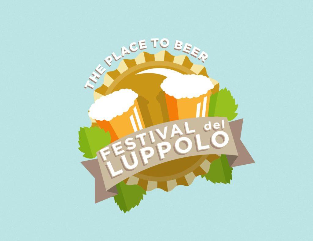 Festival del Luppolo, logo rivisitato anno 2016. Uno stile futurista e geometrico, due birre, circondate da foglie di luppolo, il tutto sopra ad uno splendido tappo di birra. The place to beer.
