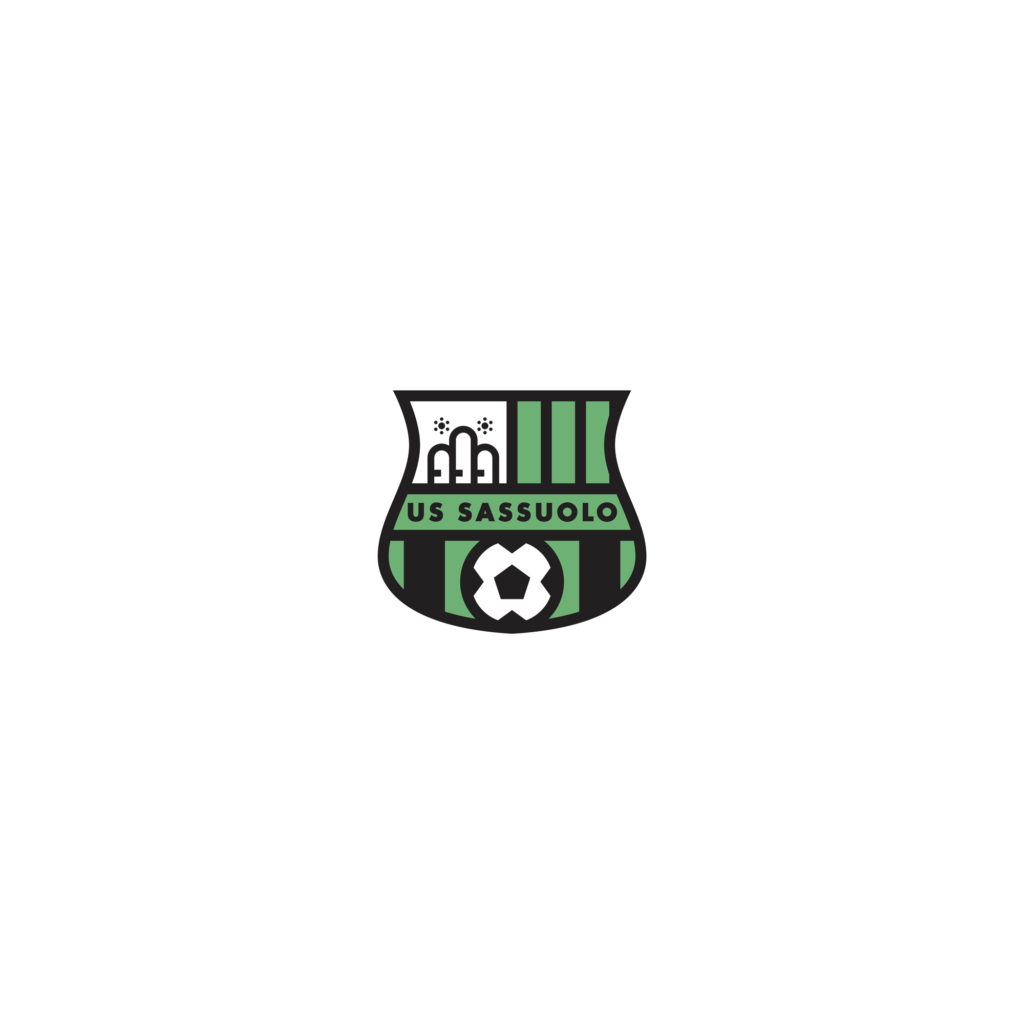 sassuolo logo restyling, il logo finale. Più asciutto ed elegante, il nuovo marchio del Sassuolo si presenta dunque con un verde leggermente più chiaro rispetto all'originale e con una serie di tratti molto più definiti rispetto al precedente. Un marchio a metà tra l'iconografia della Premier League e i vecchi marchi storici della tipografia italiana.